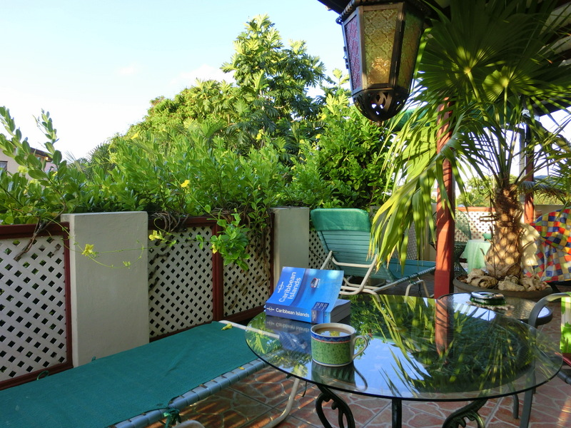 Emville Guesthouse Terrasse