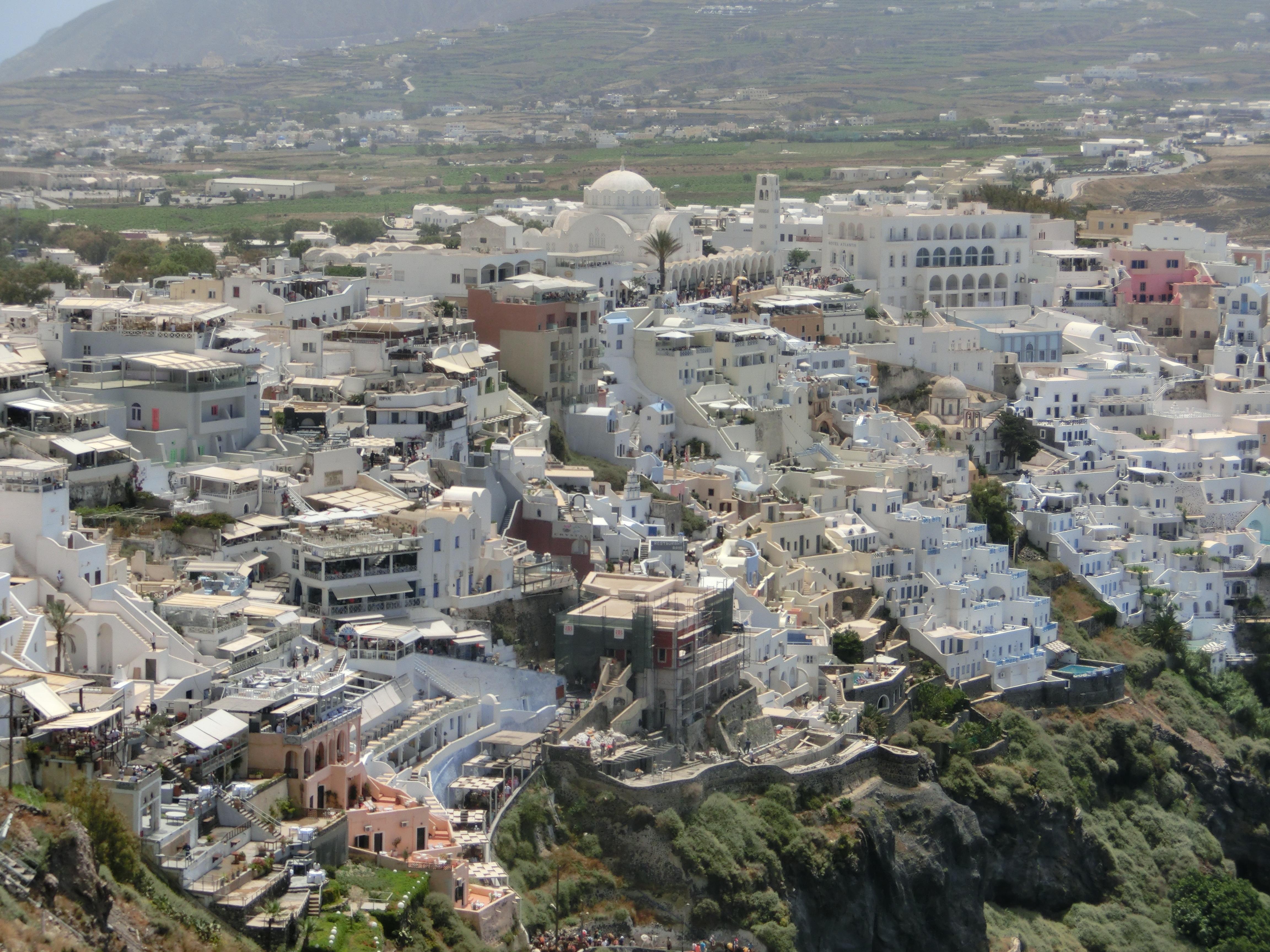 Kraterwanderung Santorin, Ankunft in Firá