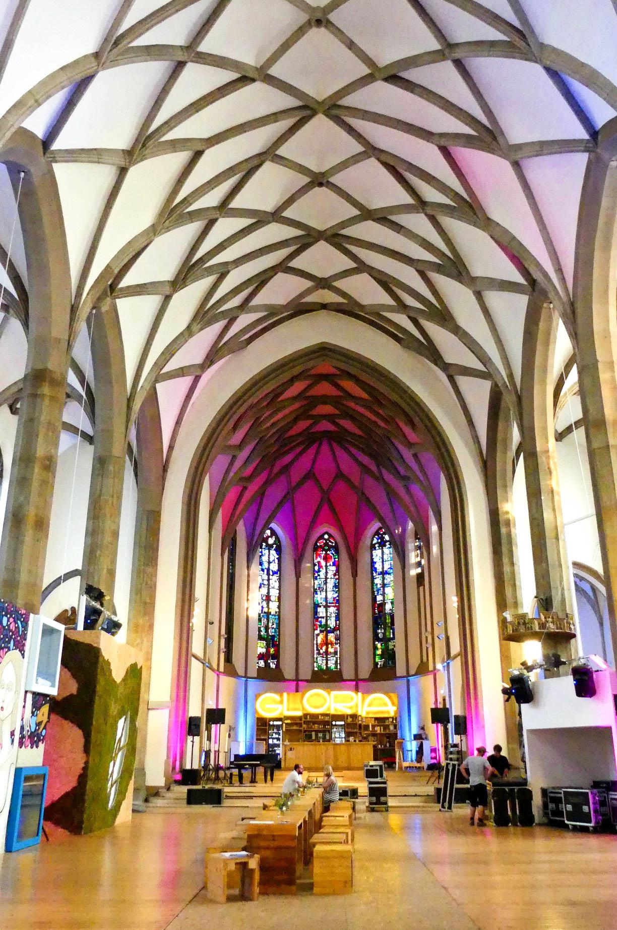 Hotel Total Kirchenschiff