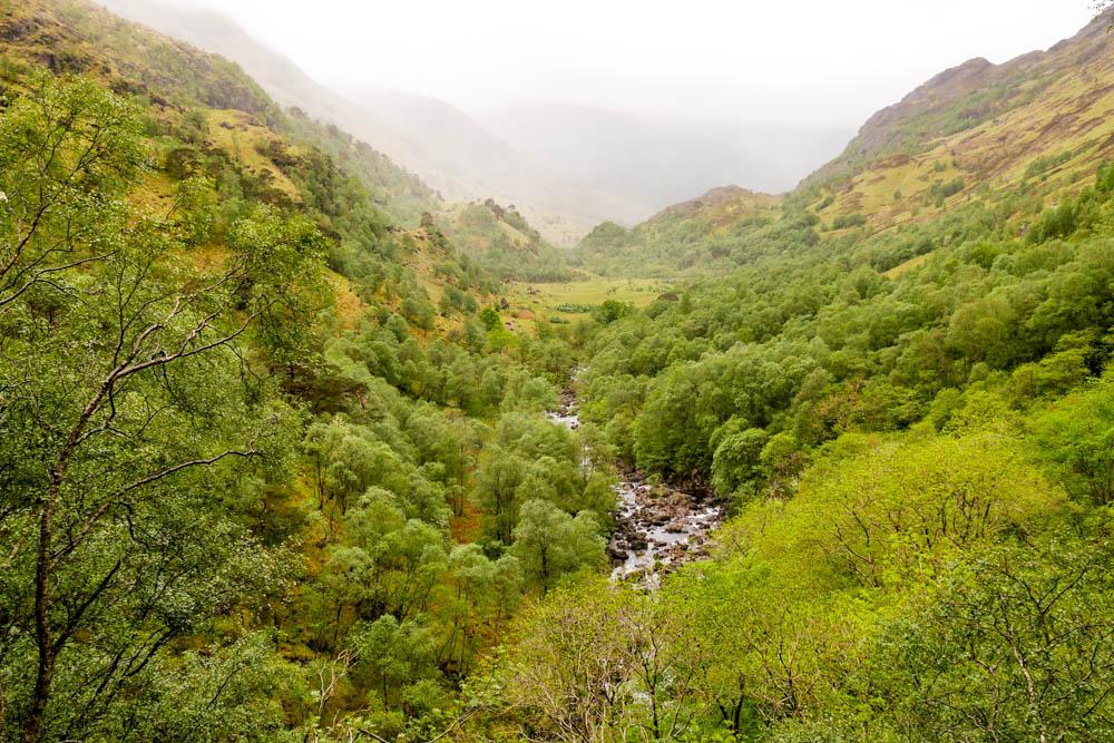 Wanderung zu den Steam Falls Schottland