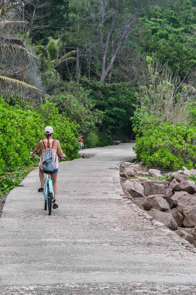 La Digue Fahrradfahren